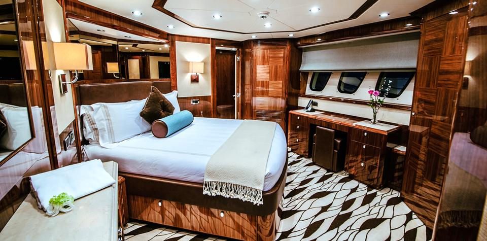 Luxury Yacht Florida Wood Remodeling Acrylic Metal Fiberglass